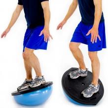 Ćwiczenie równoważne wzmacnia mięśnie głębokie.