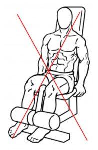 Prostowanie nóg na maszynie nie jest dobrym ćwiczeniem dla narciarzy.